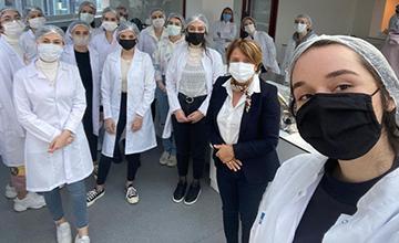 Sağlık Bilimleri Fakültesi Öğrencilerine Almanya'da Kariyer Fırsatı