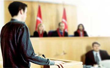 """Hukuk Fakültelerinde Verilmeyen Dersler BAU Hukuk'ta: """"Üstün Başarı Sınıfı"""" Herkese Açık"""